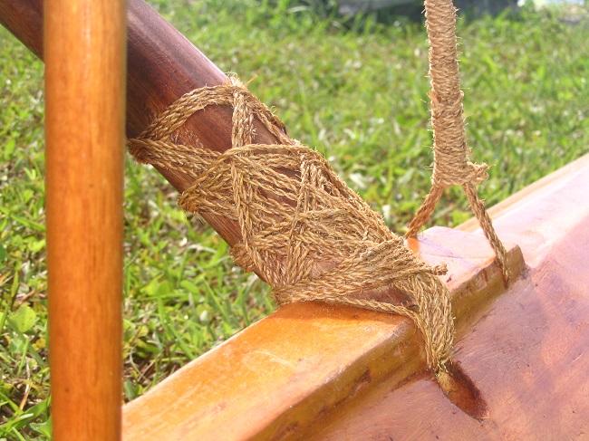 Taiwan canoe - lashes detail