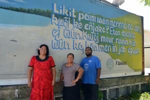 SAPT's Julia Alfred, WAM's Tolina Tomeing, and the artist Apo Leo. Photo: Karen Earnshaw