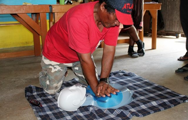 Instructor Binton Daniel learns first aid skills at the Red Cross workshop. Photo: WAM
