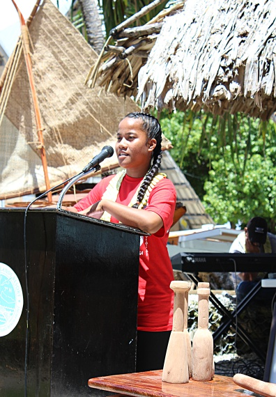 Regina David presenting one of the closing speeches of appreciation. Photo: J. Bowman