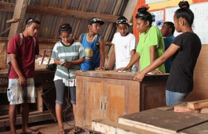 Vocational Training pictured left to right is Fredly Amlej, Idelia Stephen, Lestha Mokka, Carlos Kesai, Jerryann Harkey, Thyin Laibwij. Photo: Sueminna Bohanny